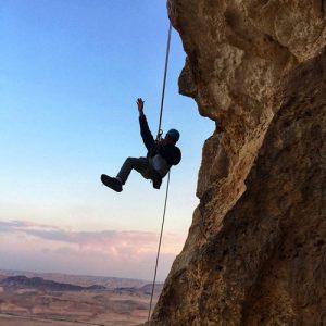 אטרקציה,פעילות אתגרית - סנפלינג ממצוק מכתש רמון